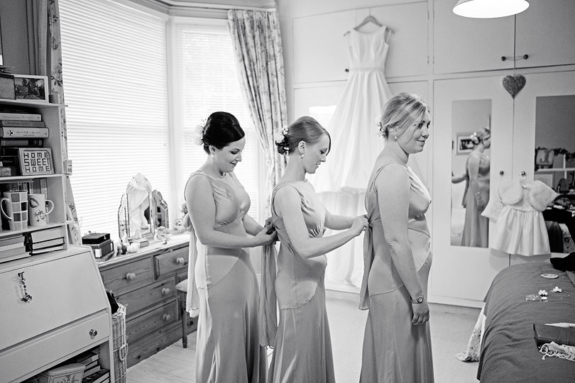 Hampton-Court-House-Wedding-AmyPete-04.jpg