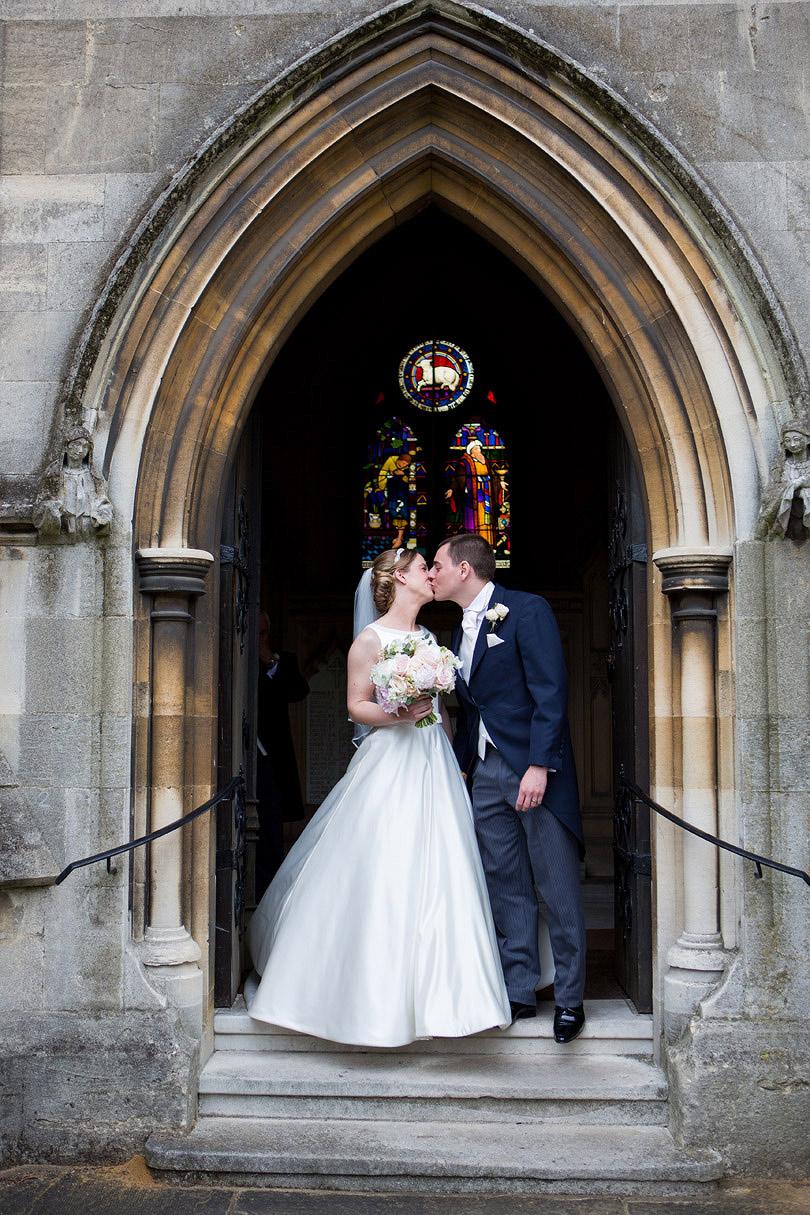 Hampton-Court-House-Wedding-AmyPete-19.jpg