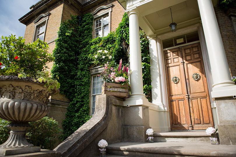 Hampton-Court-House-Wedding-AmyPete-22.jpg