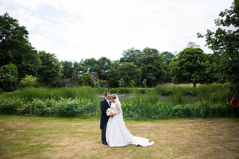 Hampton-Court-House-Wedding-AmyPete-30.jpg