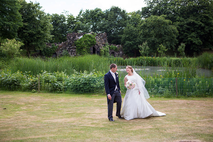 Hampton-Court-House-Wedding-AmyPete-35.jpg