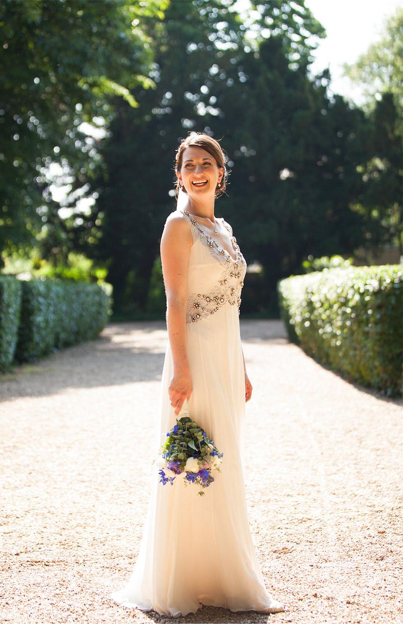 Oatlands-Park-Hotel-Wedding_LilyandFrankPhotography_10.jpg