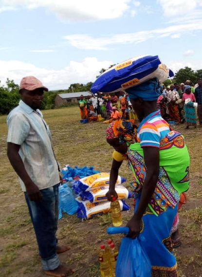 maize on the head.jpg