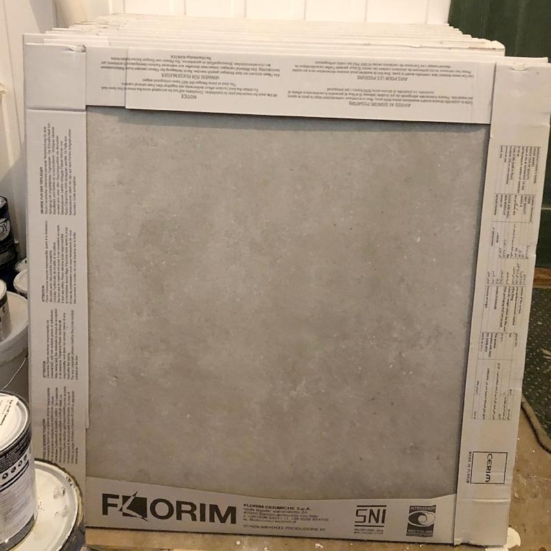 """60 x 60 """"hvite"""" betongfliser"""