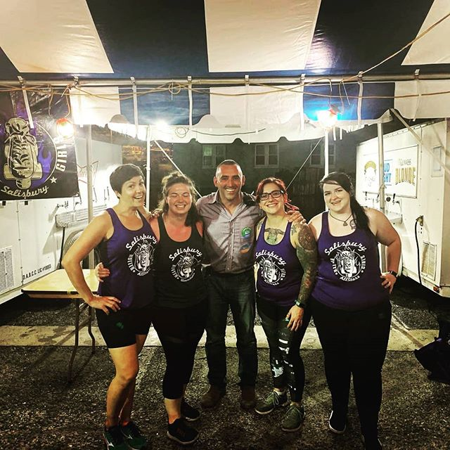 Look who stopped by at the end of our shift last night! Come see us today by the Perdue stage! @jacobrday #salisburyrollergirls #mayorjakeday #nationalfolkfestival