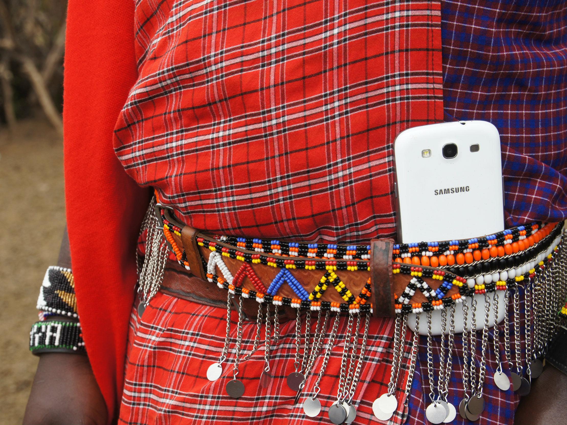 Smartphone belt in Massai Mara Kenya © Peek Vision.jpg