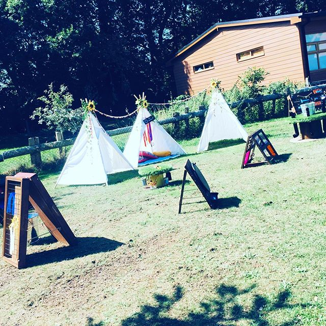 Happy 1st Birthday L! A beautiful sunny day for a beautiful outdoor set up ☀️🥳 The woodland theme looked gorgeous @christine8miller . . . #firstbirthdaygoals #firstbirthday #teepee #teepeeparty #tipi #tipiparty #summer #summerparty #childsplay #partyhire #preschool #preschoolplay #CogsandSprogs #sensoryplay #sensory #partyhireessex #childrensparty #essexparty #essex #gardenparty #toddlersense #babysense  #funlearning #toddleractivity