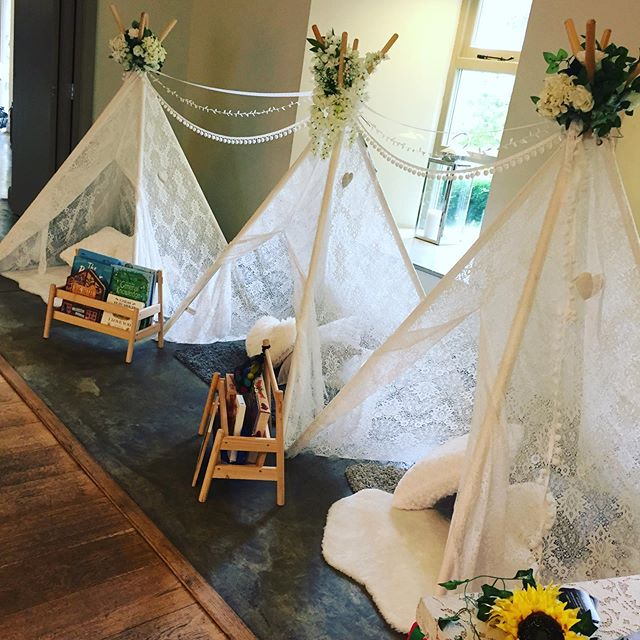 Where better to while away your Sunday than at Houchin's Wedding Open Day! We're set up with teepees and play stations for your little ones and there's more gorgeous food, cake and music than  you could wish for!  Come and meet some fabulous suppliers and check out this gorgeous venue today! . . .  #littleguests #essexwedding #wedding #weddingopenday #houchins #childrenatwedding #kidsatwedding #weddingentertainment #festivalwedding #outdoorwedding #childsplay #teepee #teepeewedding #tipi #tipiwedding