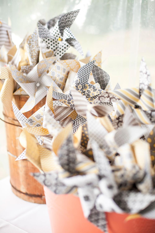 Pinwheel-Wedding-Favors.jpg