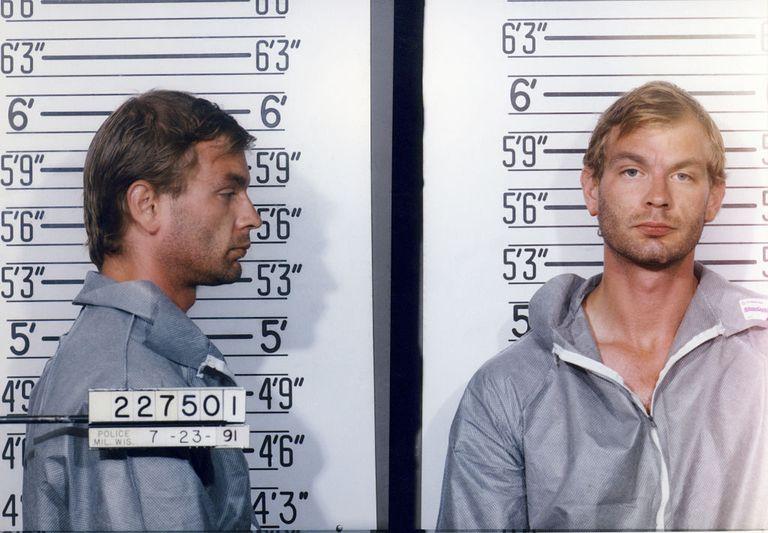 american-serial-killer-jeffrey-dahmer-544048382-5a8c524b3418c6003753900d.jpg