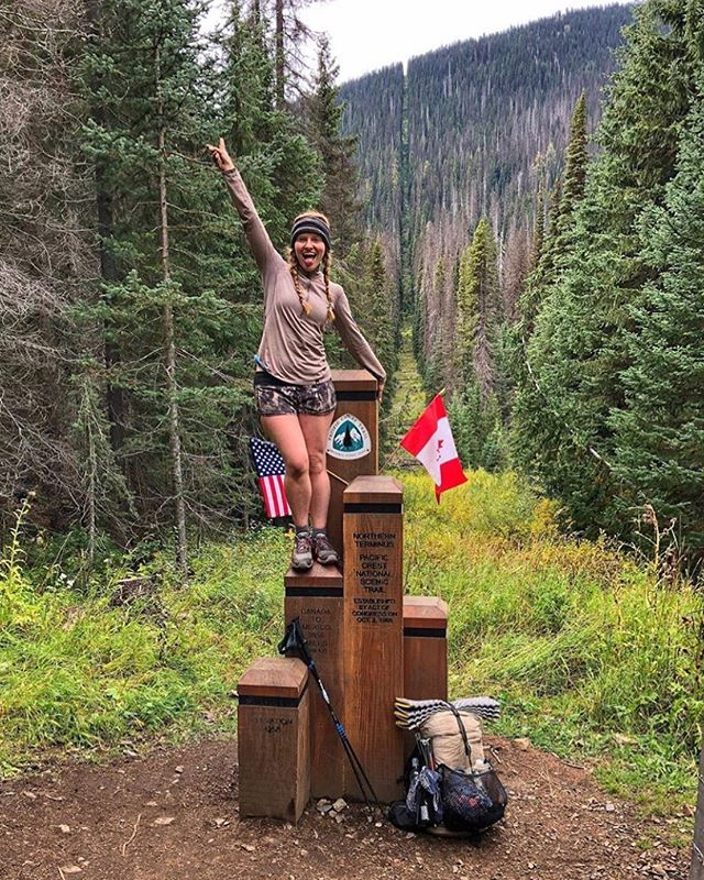 📍Pacific Crest Trail, Canada 🇨🇦 featuring @carollcoyne #TravelDreamSeekers 🏕 . Congratulations, Carol, for completing the Pacific Crest Trail! The #PCT runs for 4,270 km - from the United States' southern boarder with Mexico to its northern boarder with Canada. The route passes through 25 national forests and 7 national parks. Such an accomplishment!