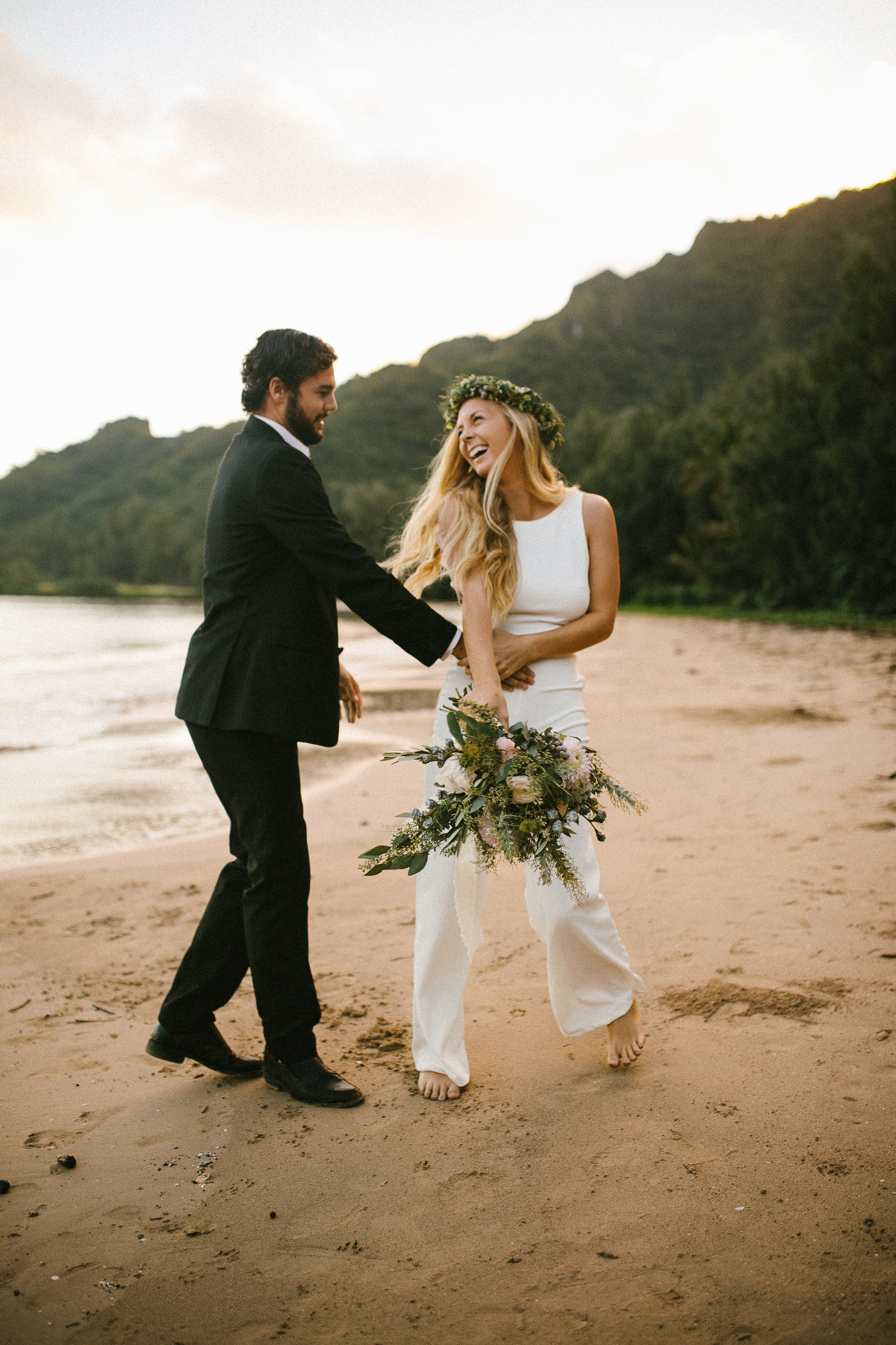 Hawaii Wedding and Adventure Elopement Photographer