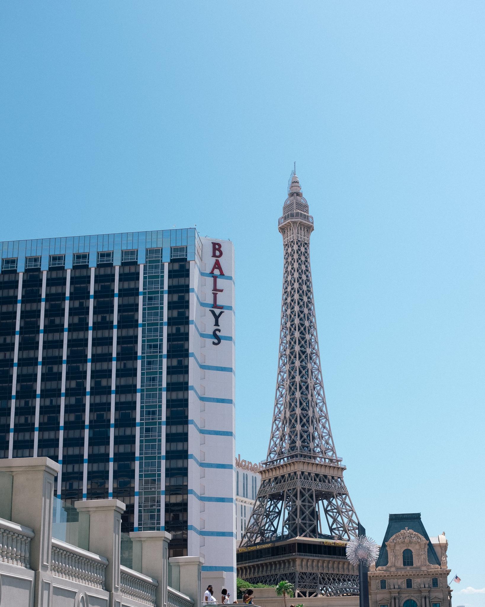 Classic Vegas 🤜💥🤛 Classic Paris