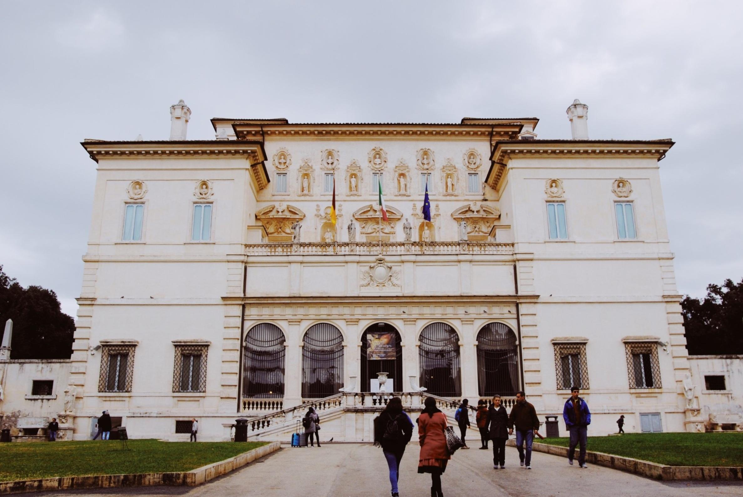 Villa Borghese: No photographs allowed inside!