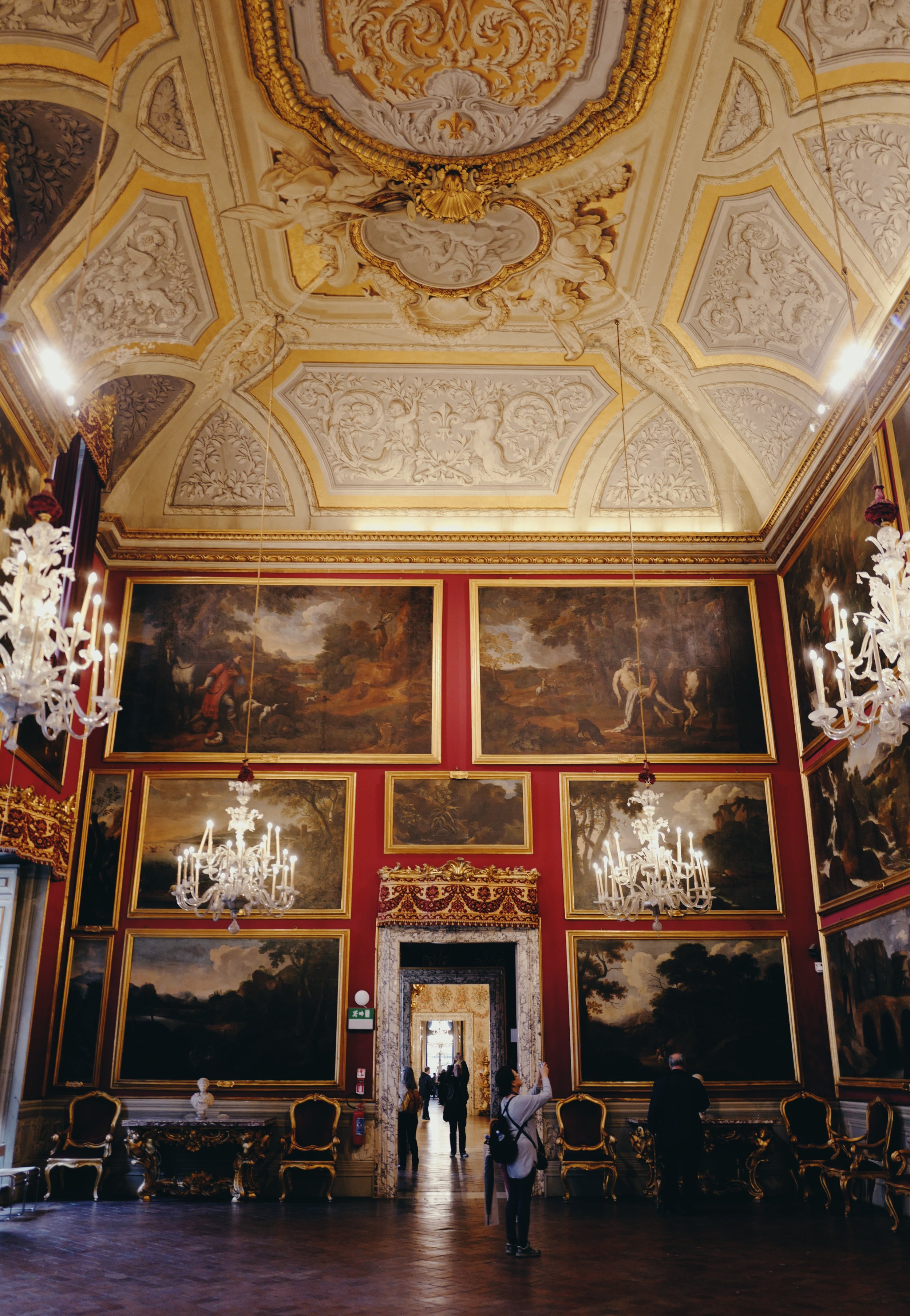 Galleria Doria Pamphilj Pussino Room: Pieces are by Pussino and Guillame Courtois which show mainly Roman landscapes.