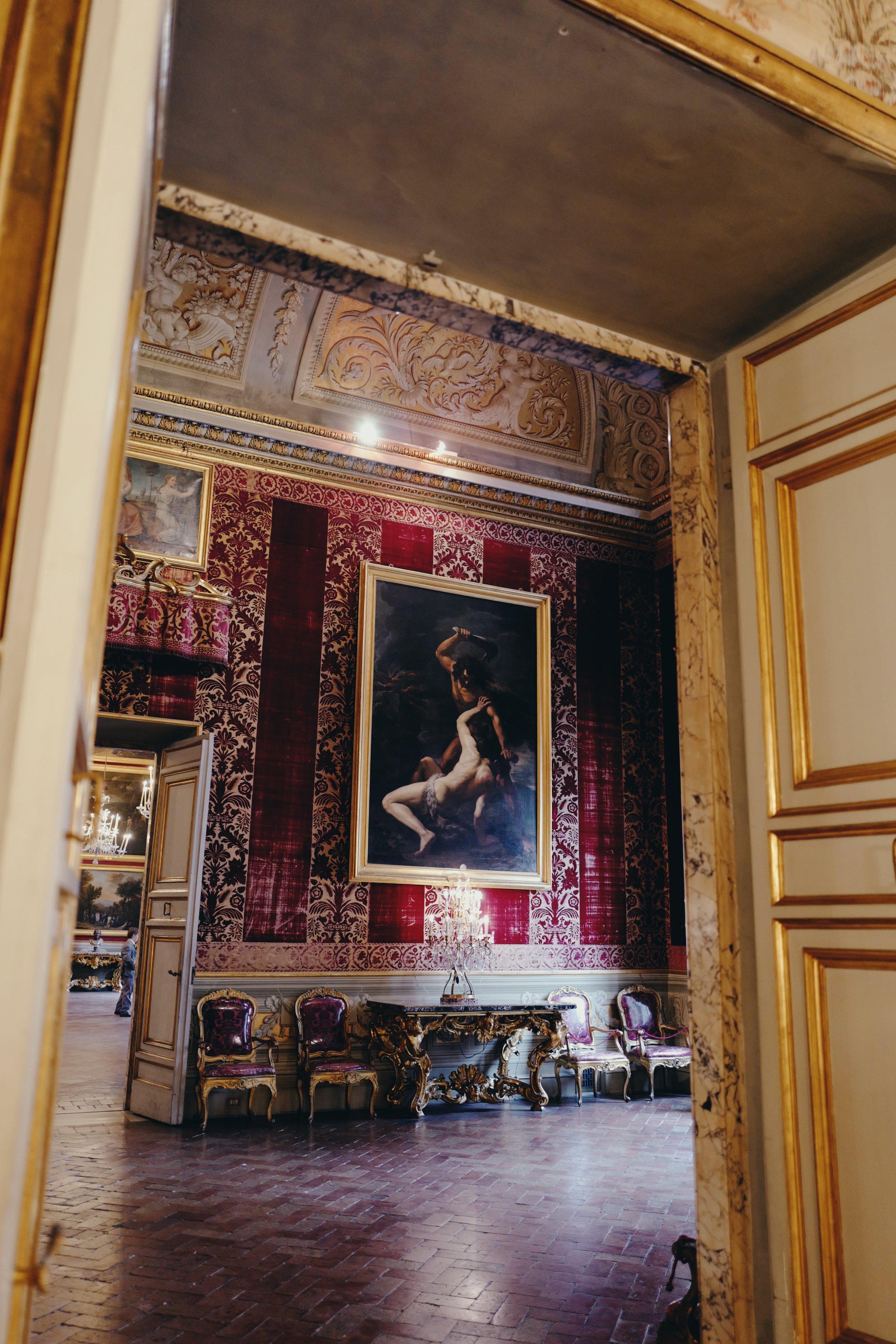 Galleria Doria Pamphilj: Entrance to the Velvets Room (the walls are covered in damask velvet)