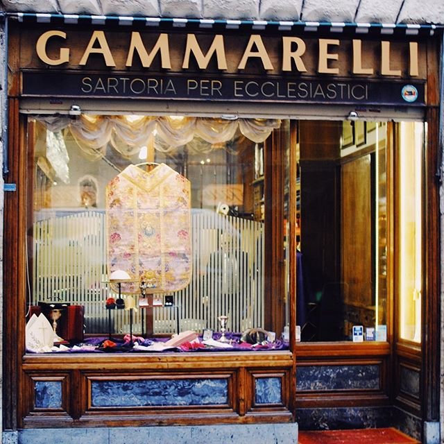 Gammarelli, the official tailor to the Pope. They provide everything- garments, shoes, hats, and yes even socks. Opened in 1798, shop has been in the family for generations, passed down from son to son. And while you may see a bishop or priest frequent the store, the Pope will never visit (they go to the Pope!) You too can purchase the same socks that the Pope wears as a nice momento to take home with you. . . . . Read more about my experience on the blog. . . .  #ig_rome #wonderfulplace#whatitalyis#ilikeitaly #ig_italy#weekly_feature#foto_italiane#likerome#shotz_of_rome#detailsofrome#top_lazio_photo#instagood#leicaq#leicaphotography#leica #theprettycities #lensculture#bbctravel #italytrip#browsingitaly  #instaitalia#discoveritaly #framesofitaly#lonelyplanet#gf_italy #cntraveler #best_italiansites#travelawesome#travelandleisure  #instatravel