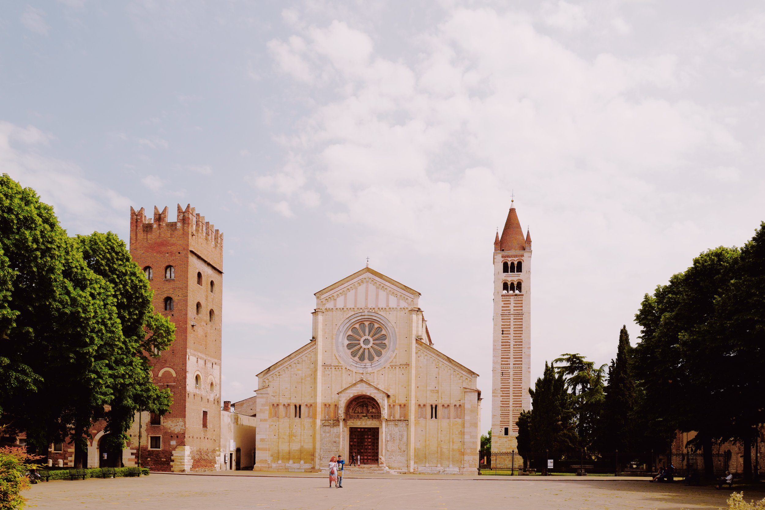 Basilica of San Zeno Maggiore, located across Casa Perbellini