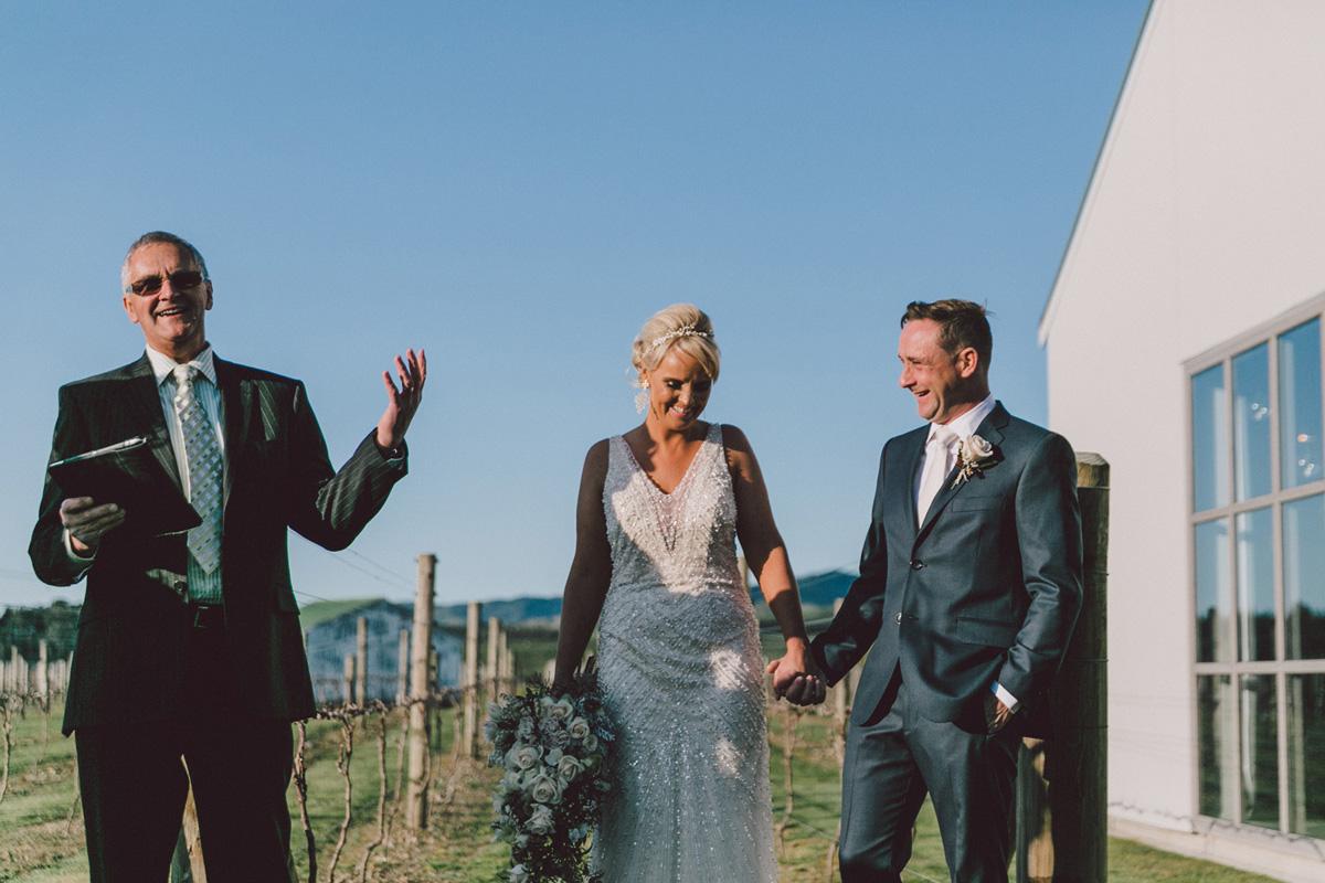 Sarah_McEvoy_Poppies_Martinborough_Wedding_002-1.jpg