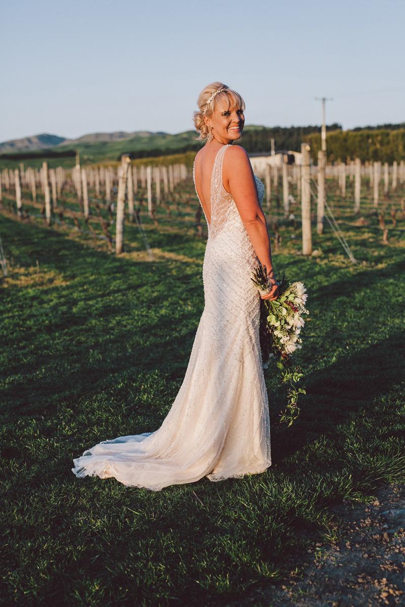 Sarah_McEvoy_Poppies_Martinborough_Wedding_012.jpg