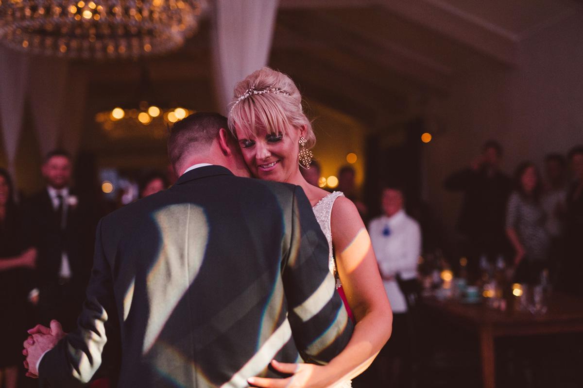 Sarah_McEvoy_Poppies_Martinborough_Wedding_025.jpg