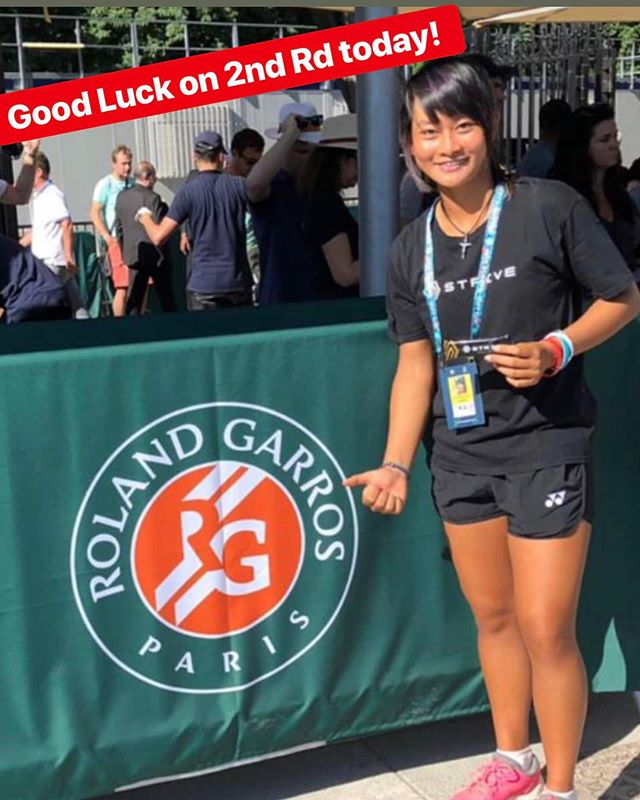. • Yessss, Priska won her 1st round match yesterday! She advances to the 2nd rd. Now, she has placed herself among the 32 best juniors in the world. Please wish her the best of luck again today!! 💪🇮🇩. • Strivean at 2019 French Open Grandslam! Priska is our #1 ranked junior in 🇮🇩 and top 50 in the ITF World Jr ranking. • • You can watch her 2nd round match live at 1pm Paris time or 6pm WIB by clicking our link in our profile above or https://www.rolandgarros.com/en-us/matches/SF022 • • • • • • #keepsyoumoving #whatdoyoustrivefor #striveonthego #tennisindonesia #pahlawanolahraga
