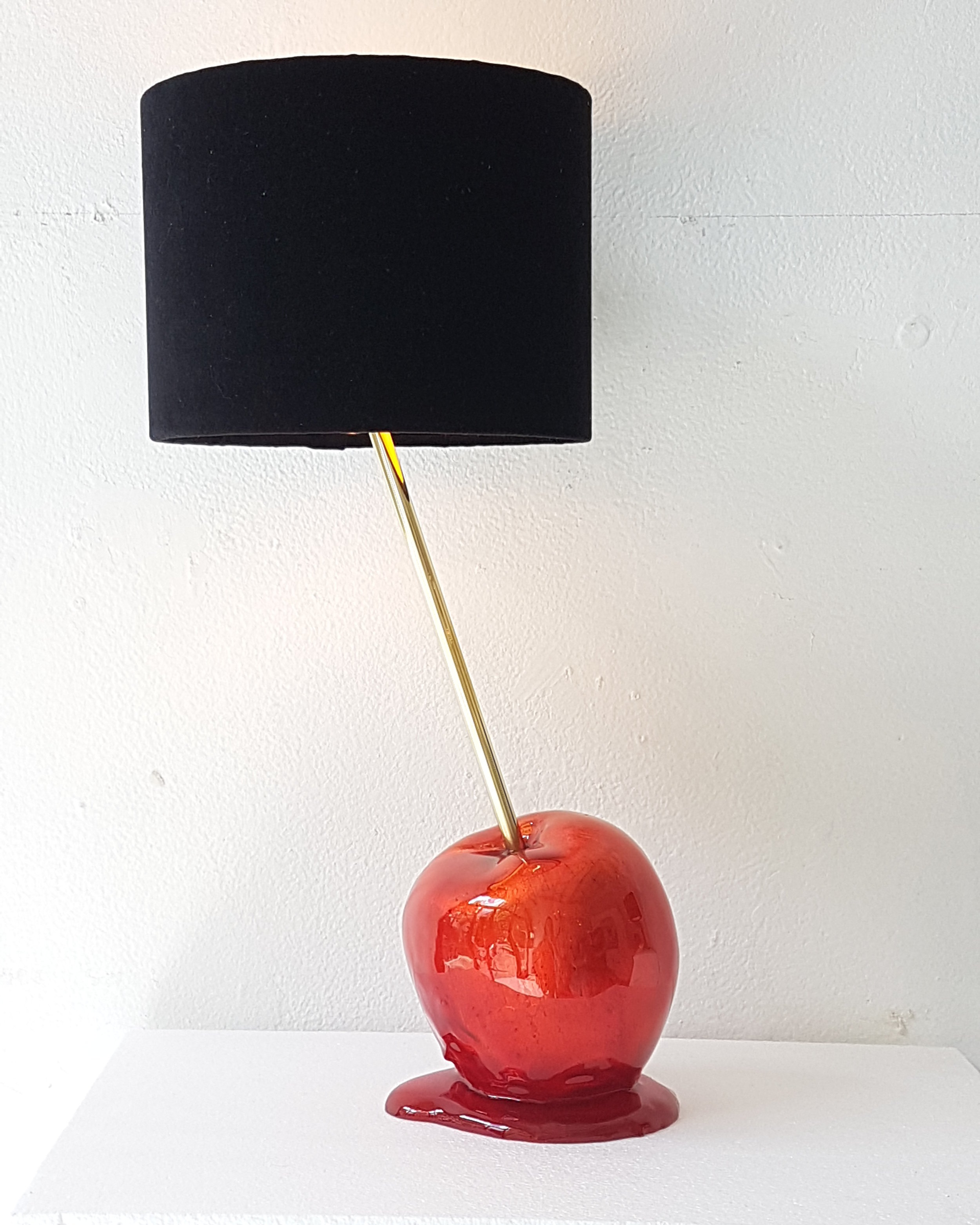 toffee_apple_lamp.jpg