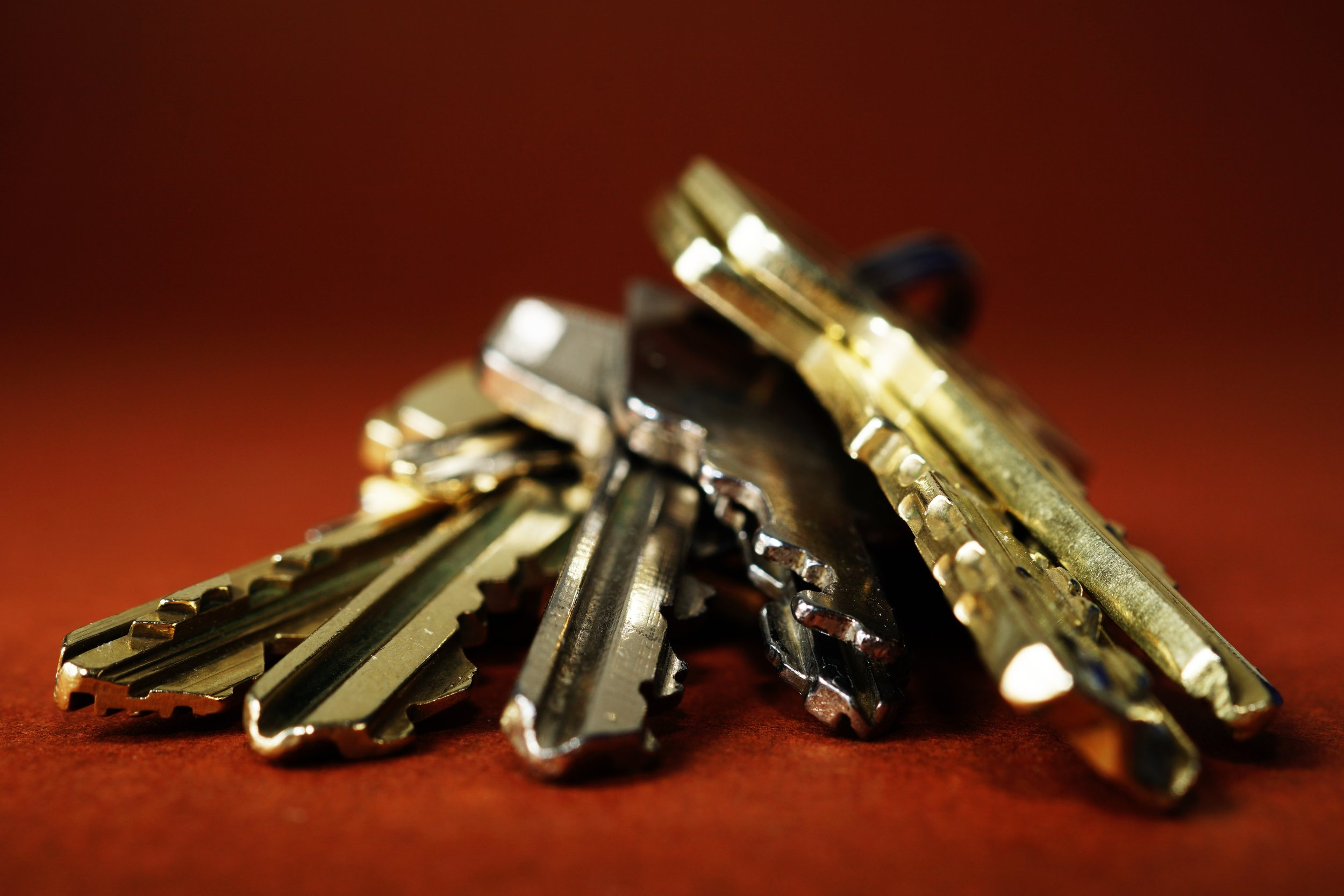 close-up-keys-metal-333838.jpg