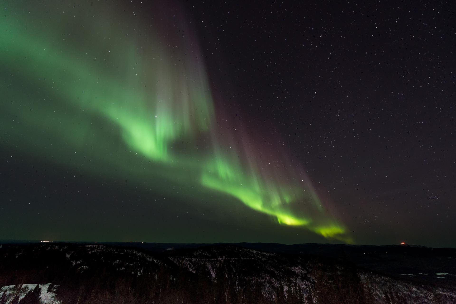 aurora-731456_1920.jpg