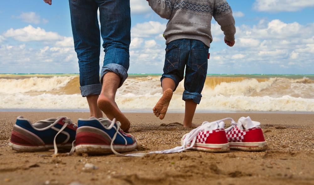 podiatrist-treats-athlete's-foot