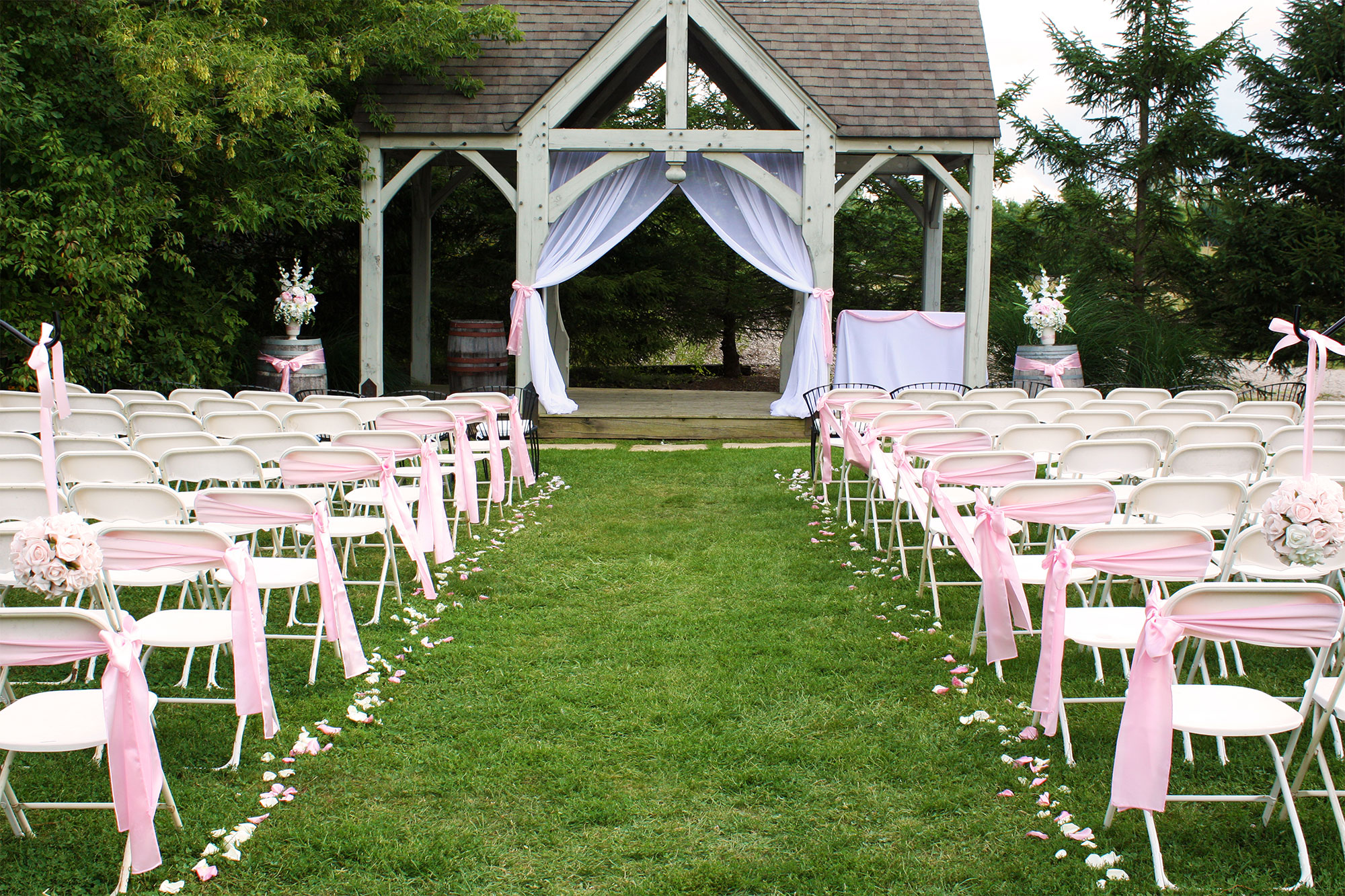 wedding-ceremony-decor-london-ontario-home-banner-luxe-weddings-and-events11.jpg