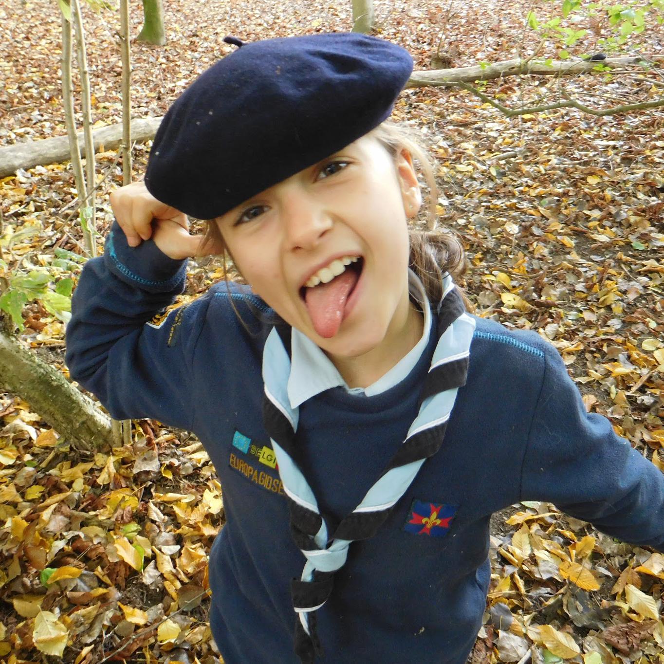 Bestel uniformonderdelen - •Uniform voor bevermeisjes en beverjongens•Uniform voor welpinnen en welpen•Uniform voor gidsen en verkennersVragen hierover? Contacteer Nele Van der Herten.