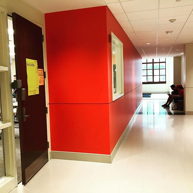 Where can you find the MIX Lab? @montclairstateu #3dprinting lab in the @feliciano_business? Just look for the red wall on the lower level - there's only one. 👀