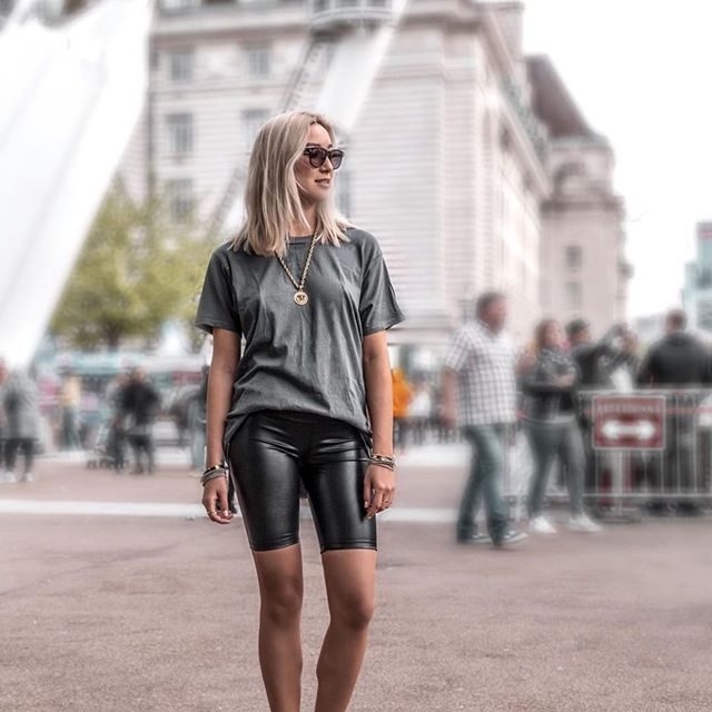 Biker short street style 😎 ••••• Loving these short from @davidlernerny ! Such a fun piece to style 😍 ••••• #wedding #fashion #fashionblog #fashionblogger #fashioninspo #outfitinspiration #style #styleblog #styleblogger #influencer #ltkunder50 #styleinfluencer #fashioninfluencer #leggingsoutfit  #travelblog #travelblogger #ootd #outfitoftheday #outfitidea #fashionlover #blogger #fashionable #fashiongram #stylegram #fashionweek #outfitideas #affordablefashion #winteroutfit  #liketkit #vacationoutfit