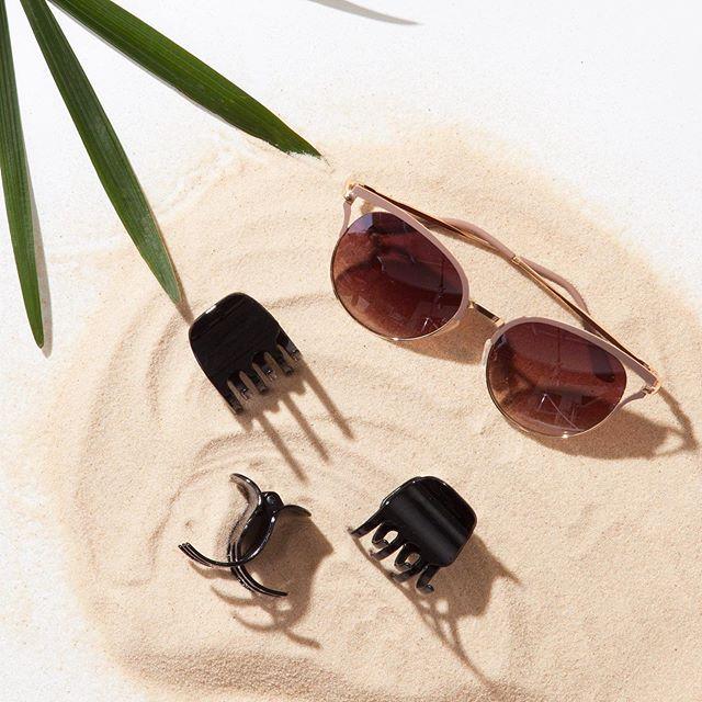It's a claw clips + sunnies kind of Sunday 😎🧡 #goodyhair #feelgoody