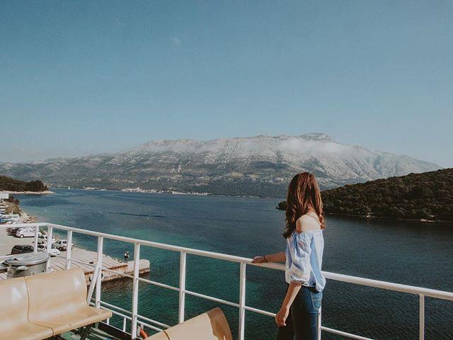 Admiring the views and praying I don't get a sunburn (spoiler alert: I did) 😎