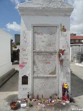Marie Laveau Grave - The Ghost Tour