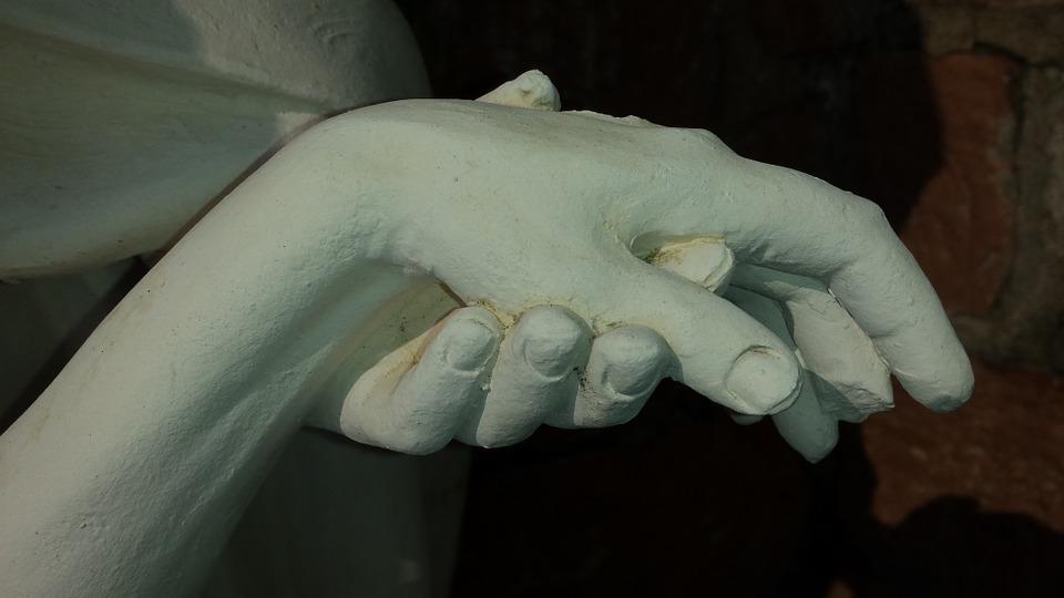 hands-683950_960_720.jpg