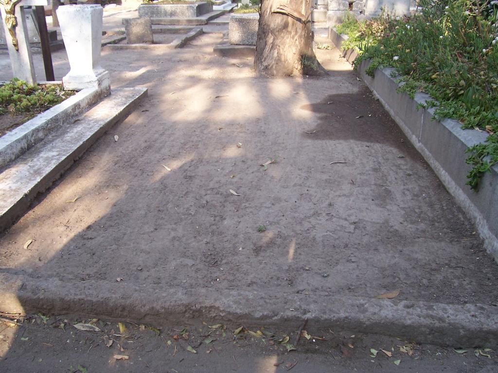 WH Ellis's grave in Mexico City
