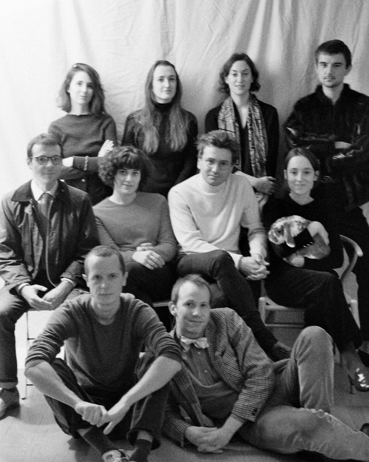 La première photo de groupe