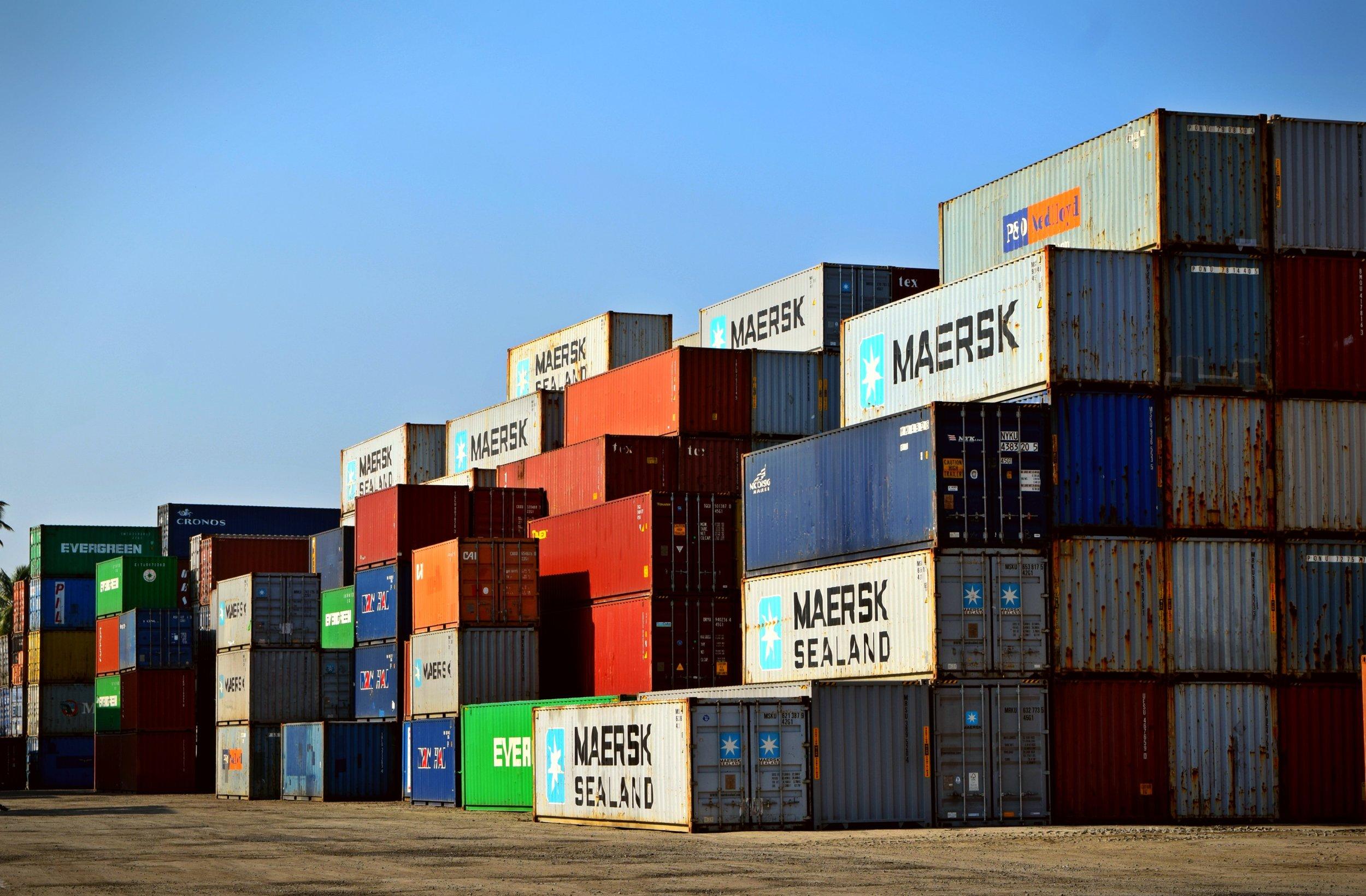 luotettava muovi- ja metallituotteiden maahantuoja - Maahantuomme laadukkaita muovi- ja metallituotteita asiakkaiden toiveiden mukaisesti jo yli 20 vuoden kokemuksella.