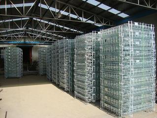 häkin kuva tehtaalla.jpg