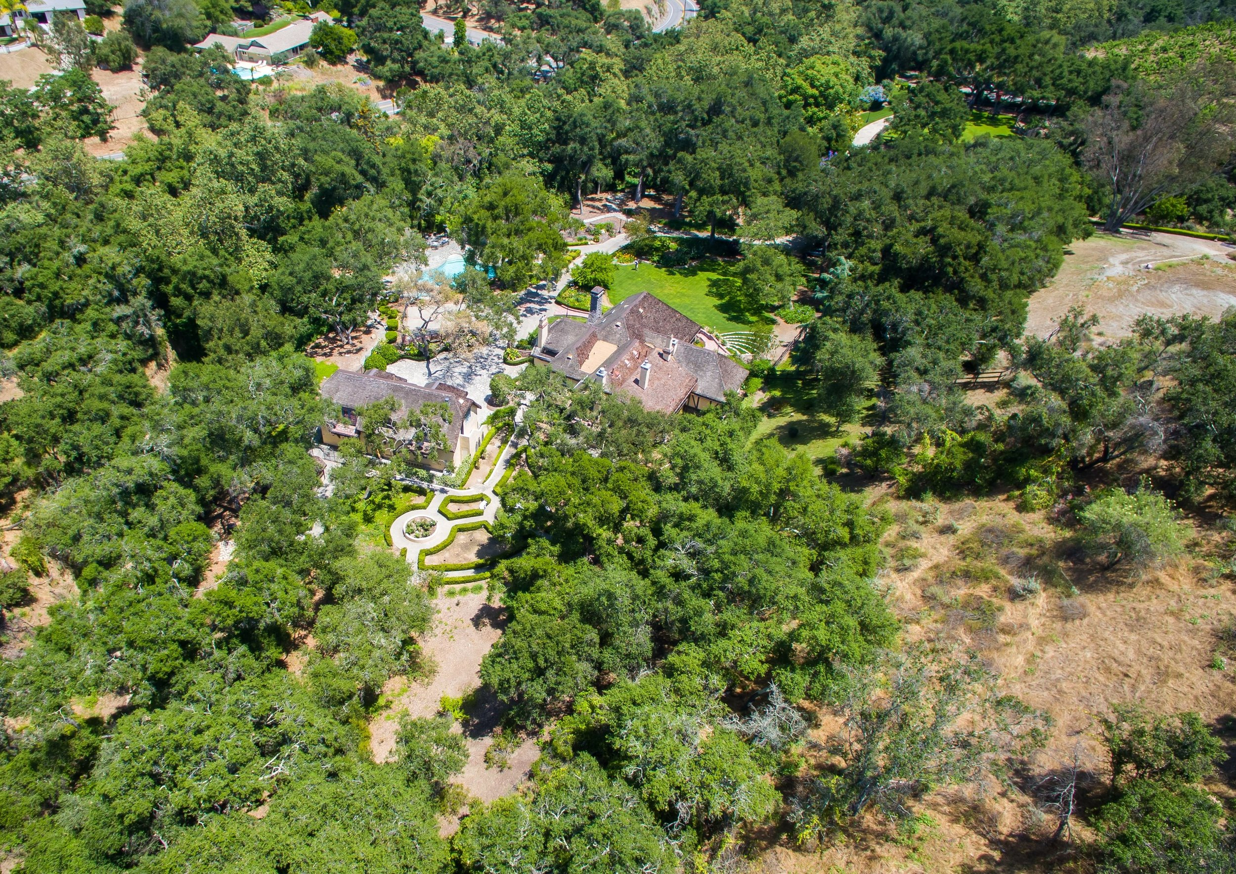 004_Aerial Property View.jpg