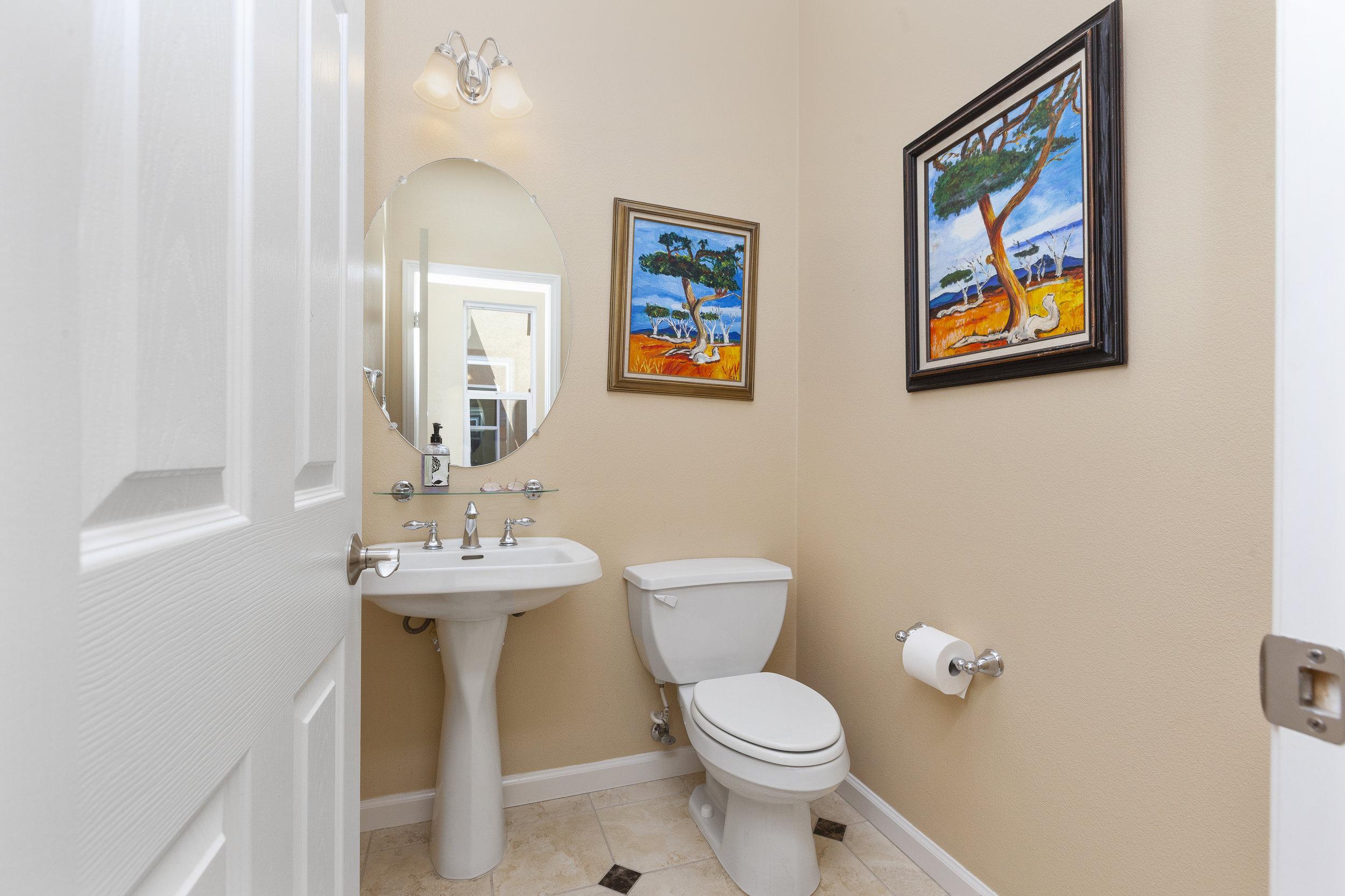 014_Bathroom .jpg