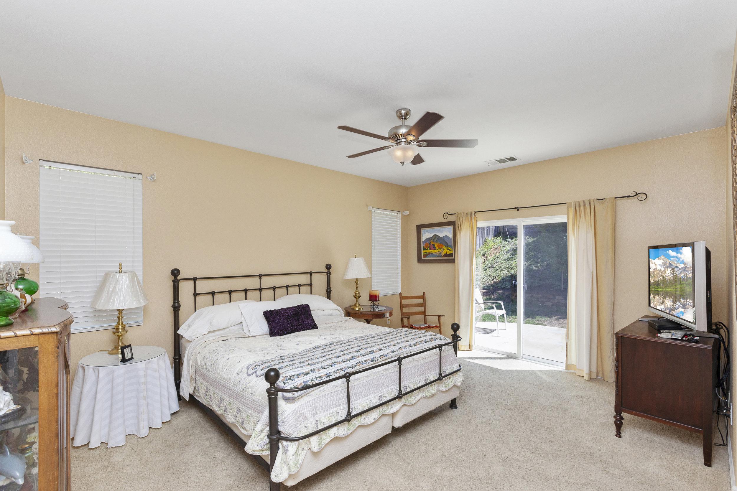 016_Master Bedroom .jpg