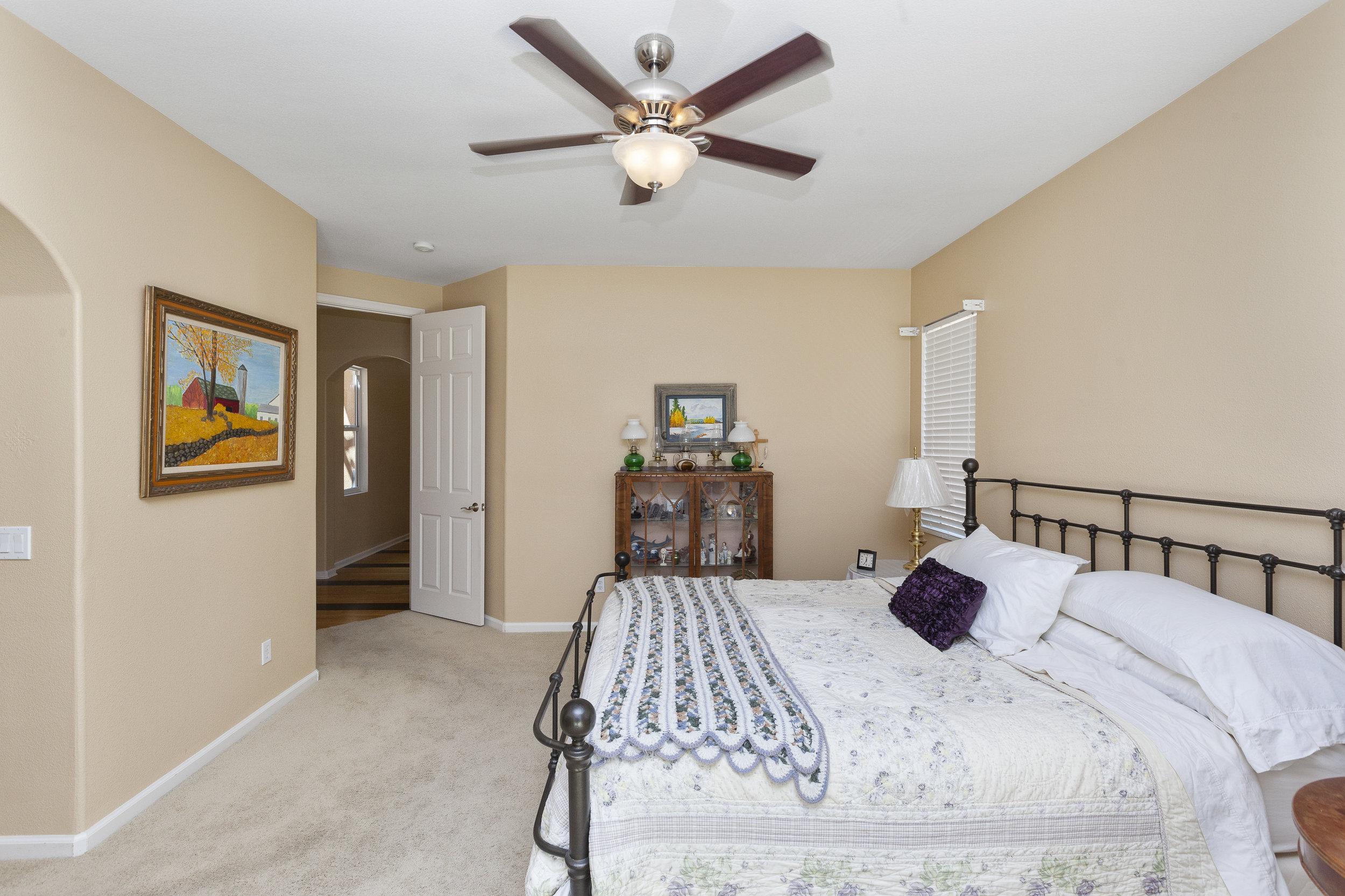 017_Master Bedroom .jpg