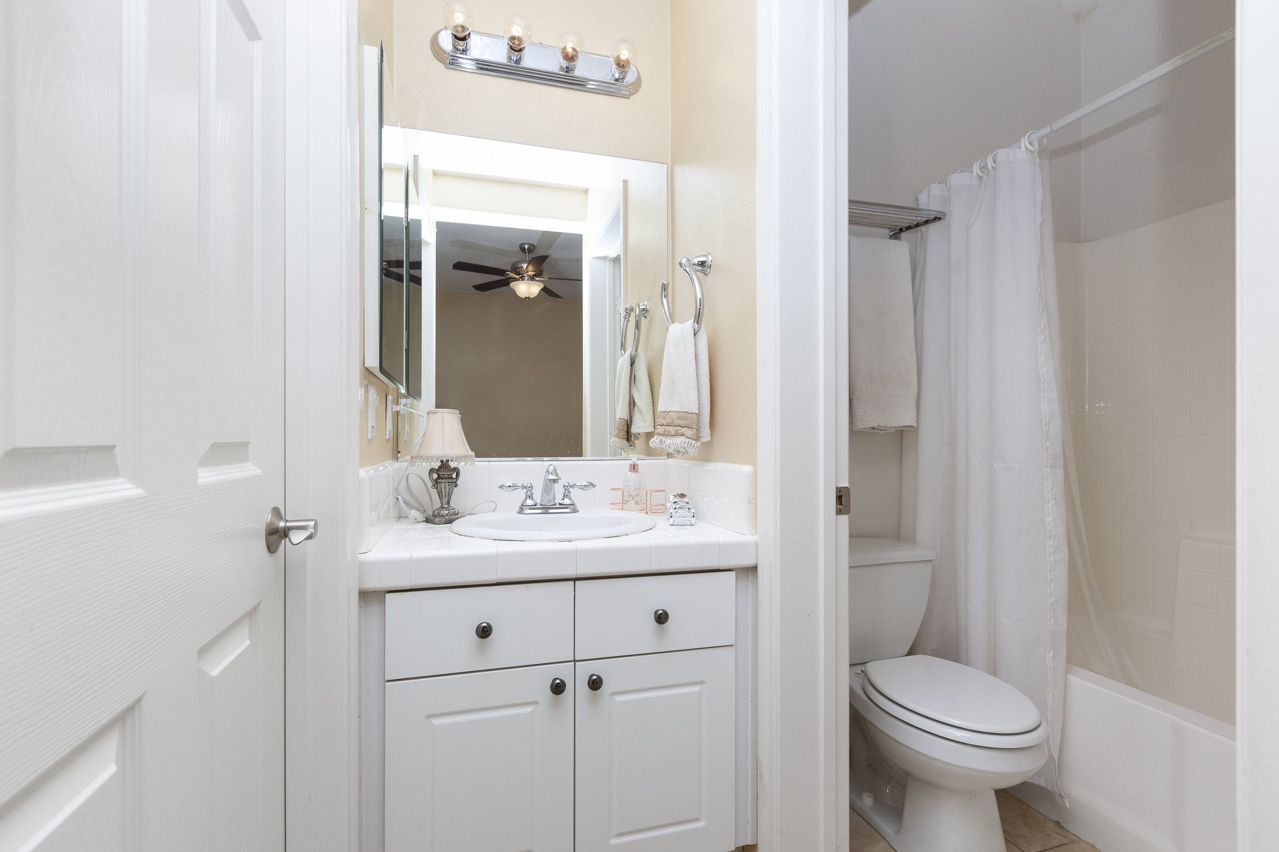 021_Bathroom .jpg