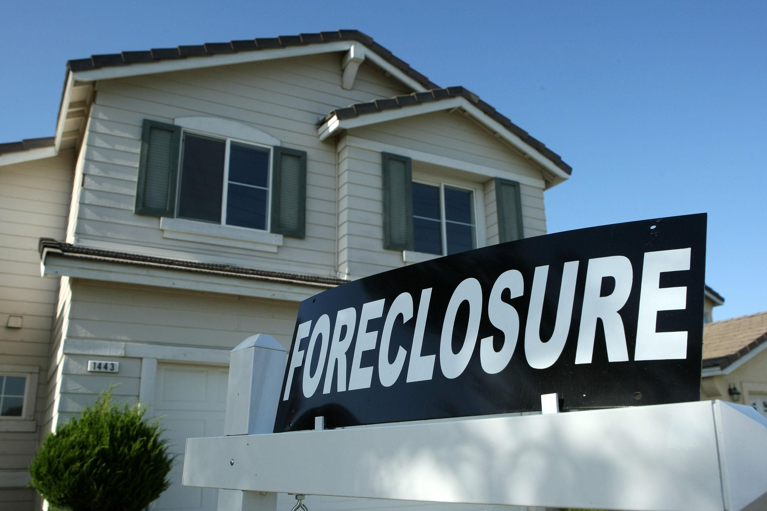 foreclosure pic.jpg