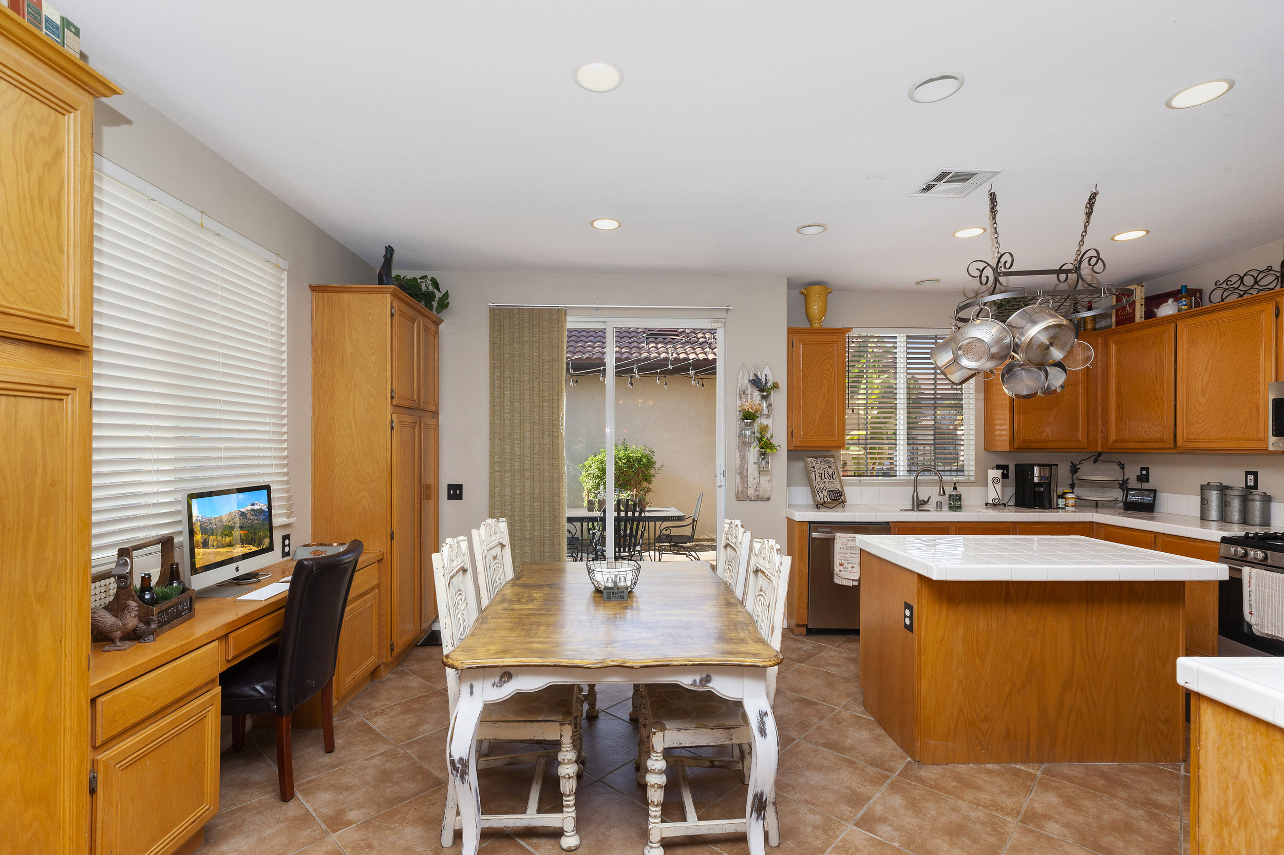 018_Kitchen with Casual Dining.jpg
