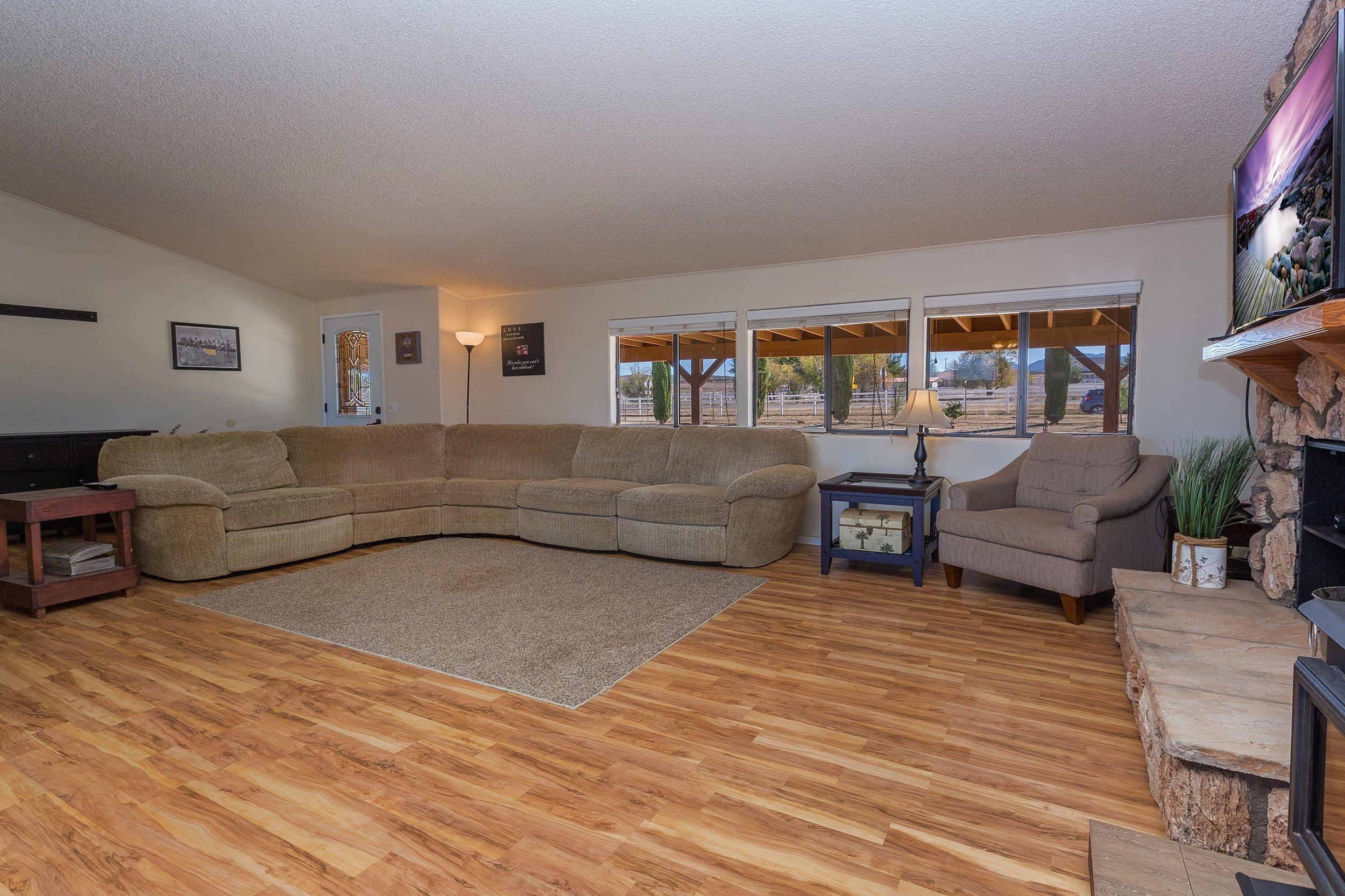 014_Living Room .jpg